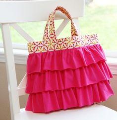 Como hacer un bolso con pliegues | Solountip.com