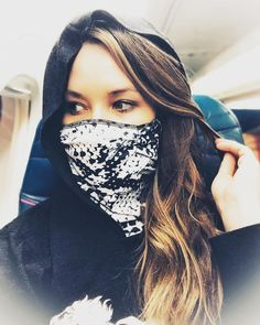 The new snakeskin designed travel mask from the Barrier Method. Fashionable ,Patented Travel scarf/mask keeps you protected from all the air-borne germs, coughing and sneezing on planes. Arrive healthy at your destination. Best Mothers Day Presents, Best Valentine Gift, Travel Necessities, Travel Essentials, Buy Mask, Best Travel Accessories, Neck Scarves, Snake Skin, Travel Style