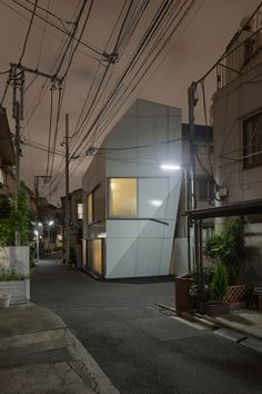 Tokyo: A' House This compact private residence is nestled within the dense expanse of Tokyo, in Nishi-Azabu—a neighborhood characterized by narrow streets and traditional low-rise houses.