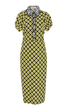 This **Diane Von Furstenberg** Elly Collard Dress features a leopard-printed spread collar, form fitting silhouette, and an allover geometric print. Collard Dress, Casual Formal Dresses, Diane Von Furstenberg, Cool Girl, Going Out, High Neck Dress, Short Sleeve Dresses, Bodycon Dress, Silk