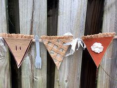 Creatively Beth adds felt forks to a Fall Pie Banner for some DIY fun! Thanksgiving Banner, Thanksgiving Projects, Thanksgiving Pies, Pottery Barn Christmas, Christmas Diy, Types Of Pie, Embroidery Hoop Crafts, How To Make Banners, Pottery Barn Inspired