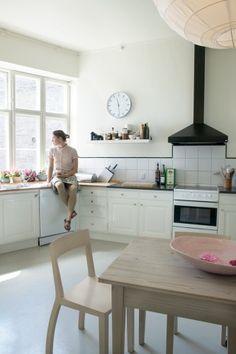 Susanne in her kitchen | boligmagasinet.dk