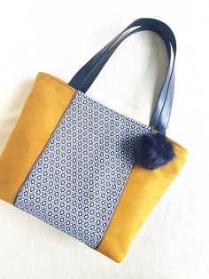 Retrouvez cet article dans ma boutique Etsy https://www.etsy.com/fr/listing/583165464/sac-a-main-collection-mustard