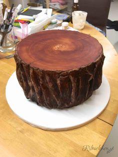 Tree trunk cake - Baumstammtorte