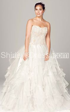 Luxurious Strapless Lace Tierred Wedding Gown