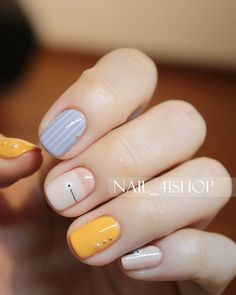 Have you discovered your nails lack of some popular nail art? Yes, recently, many girls personalize their nails with beautiful … White Nail Designs, Nail Art Designs, Nails Design, Funky Nail Designs, Blue Nails, My Nails, Daisy Nails, Polish Nails, Shellac Nails