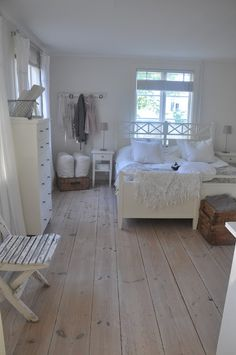 The White Porch: bedroom