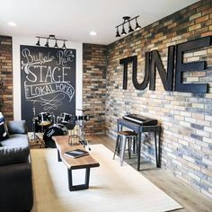 Bonus Room Interior Ideas Music Stage Room The Effective Pictures We Offer You About Audio room acoustic panels A quality picture can tell you many th Home Studio Musik, Audio Studio, Recording Studio, Music Studio Decor, Music Decor, Home Music Rooms, Music Themed Rooms, Music Room Art, Space Music