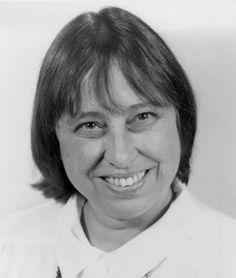 La matemática e ingeniera de sistemas Sally Shlaer (1938-1998) nació un 3 de diciembre