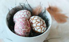 Uova di Pasqua decorate in stile mosaico