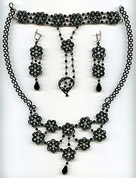 """Exclusive lace sets of frivolite:: A lace """"frivolite"""" of Elena Ignatova, master of folk creation, Ukraine, Kharkov :: Jewellery knot shuttle lace of frivolite (schiffchenspiize), ear-rings, bangles, necklace, natural stone and skin with a lace, style """"The Gothic Black-art"""""""