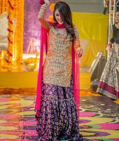 Bridal Inspiration From Real Pakistani Brides To Make Eid Extra Special! Pakistani Mehndi Dress, Pakistani Wedding Outfits, Pakistani Wedding Dresses, Pakistani Dress Design, Bridal Outfits, Mehendi, Bridal Mehndi, Mehndi Brides, Bridal Lehenga