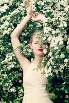 Wedding Ideas: white-flower-bush-red-lips