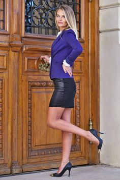 At the door - Pretty blonde woman at the door Blonde Women, Leather Skirt, Doors, Woman, Pretty, Skirts, Beauty, Style, Fashion