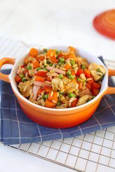 Gebakken rijst met kip Healthy Summer Recipes, Healthy Chicken Recipes, Asian Recipes, Low Carb Brasil, Diner Recipes, Dairy Free Diet, Good Food, Yummy Food, Weird Food