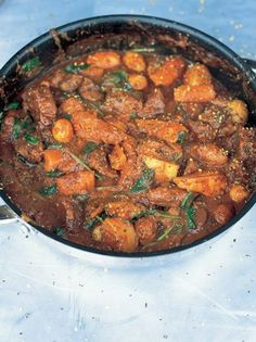 20 Paleo Friendly Jamie Oliver Recipes Beef stew, thicken with a little tapioca flour or by reducing the sauce. Hold the white potatoes and replace with sweet potato, parsnips, or cauliflower. Cooker Recipes, Beef Recipes, Shrimp Recipes, Vegetable Recipes, Chicken Recipes, White Potatoes, Mashed Potatoes, One Pot Meals, Soups And Stews