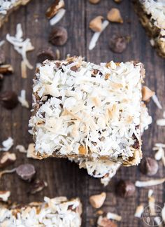 Seven layer bars with only seven ingredients are a must make cookie bar treat! Graham Cracker Crust, Graham Crackers, Cookie Desserts, Dessert Recipes, Bar Recipes, Seven Layer Bars, Pineapple Cupcakes, Magic Cookie Bars, Coconut Bars