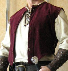 Medieval Celtic SCA Knight Justaucorps Doublet Jacket. No way, I have to pin it because it is a complete no go.