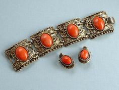 ON SALE Chunky Coral Orange Chunky Bracelet and by thejewelseeker, $35.75 #vjse2 #vintage #brides #jewelry #boebot #bestofetsy