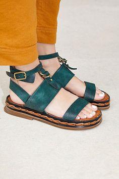 d7515f43a356ab Slide View 1  Salem Sandal Modern Fashion