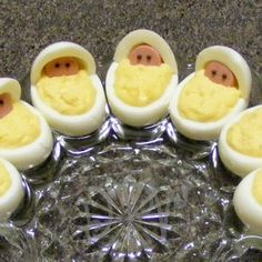 Newborn Babies Deviled Eggs (Baby Shower) - Fun idea for a baby shower! Deviled eggs are decorated with thin slices of Vienna sausage and chocolate sprinkles for eyes. (Don't worry, the sprinkles don't add the first bit of flavor to the eggs! Baby Shower Fun, Baby Shower Parties, Fun Baby, Baby Shower Snacks, Shower Party, Baby Shower Appetizers, Baby Party, Baby Shower Cakes For Boys, Desserts For Baby Shower
