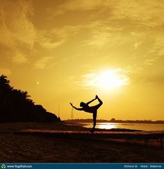 "#Yoga Poses Around the World: ""Sunset Dancer Pose in the Maldives'"