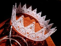 Coroa RENDA 45,5cm com fitas