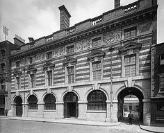 Exterior view of the street frontage of Booth's Distillery on Turnmill Street London Pictures, London Photos, Vintage London, Old London, Candid Photography, Street Photography, Gin Distillery, London Architecture, London History