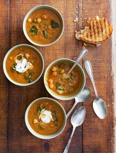 Tomato Soup with Chickpeas and Spinach Recipe