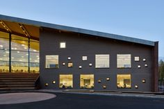 Educational Buildings Architecture Inspiration – 8 Cool High School, College and University Building Designs | http://www.designrulz.com/design/2015/09/educational-buildings-architecture-inspiration/