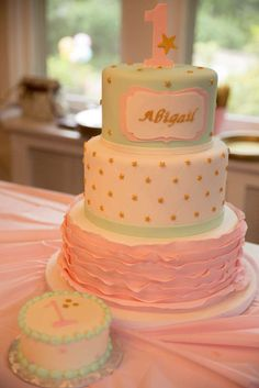 Twinkle Twinkle Little Star birthday party cake! See more party ideas at CatchMyParty.com!