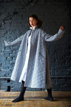 It's a swing thing. (Kingdom Of Style) Swing Coats, Outfits With Converse, Couture, Easy Wear, Asian Style, Passion For Fashion, What To Wear, Ready To Wear, Winter Fashion