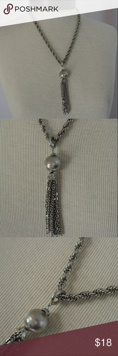 Vintage 70s Silver Tassel Necklace This little tassel necklace is so vintage mod. Tassels are the go to this spring for accessories, especially for those with boho vibes!  In excellent condition! Vintage Jewelry Necklaces