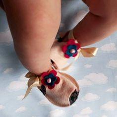 WEBSTA @sapatiko Sandalika peep toe marfim 💗 ...fofuras exclusivas feitas à mão!!!