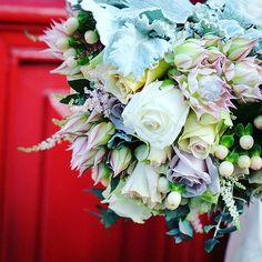 Glamorous bouquet for a glamorous bride