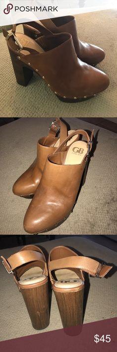 Gianni Bini 5 1/2 inch 8 1/2 M leather tan heels Excellent like new Gianni Bini 8 1/2M studded wooden heels. Worn once. Gianni Bini Shoes Platforms