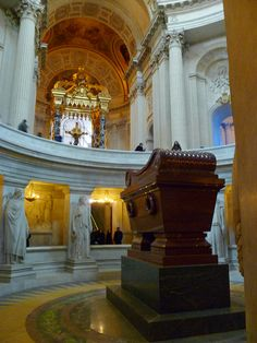 Cool Stuff in Paris | Napoleon's tomb at Les Invalides