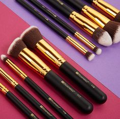 Sculpt & blend your way to a flawless complexion ✨ Bh Cosmetics, Makeup Brushes, Sculpting, Facetime, Beauty, Tools, Style, Christmas, Make Up