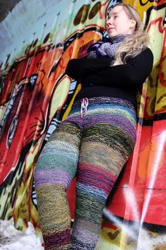 Marled mania leggings by Stephen West Knitting Blogs, Knitting Patterns, Crochet Pants, Fashion Beauty, Tights, Sweaters, How To Make, Crafts, Clothing