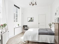 Scandinavian bedroom | Bostadsrätt, Stora Nygatan 3 i GÖTEBORG - Entrance Fastighetsmäkleri