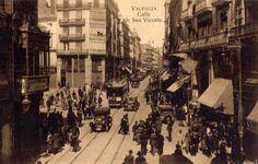1927 Vista de la Calle de San Vicente desde la Plaza Cajeros, a la izquierda derribada la manzana entre las desaparecidas calles de Jose...