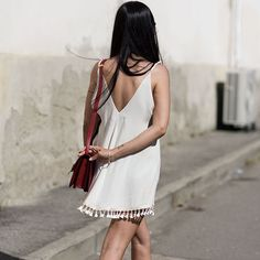 Street style com vestido casual branco
