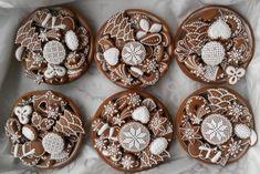 Desať receptov na obľúbené plnené košíčky | Tortyodmamy.sk Rum, Gingerbread, Sweets, Sugar, Cookies, Desserts, Anna, Wafer Cookies, Scrappy Quilts