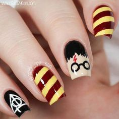 Try some of these designs and give your nails a quick makeover, gallery of unique nail art designs for any season. The best images and creative ideas for your nails. Harry Potter Nail Art, Harry Potter Nails Designs, Harry Potter Makeup, Cute Harry Potter, Harry Potter Hair, Trendy Nail Art, Cool Nail Art, Cute Acrylic Nails, Cute Nails