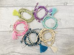 How cute are these stack bracelet sets?  Make your own with a Bead-Kids beading/jewellery making party in a box - get your friends together for a crafty afternoon!
