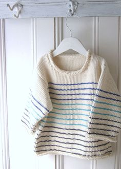 The stripes are just a single row of knitting. No yarn to carry or rejoin in…