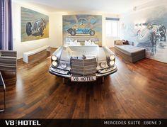 V8 Hotel: Mercedes-Suite