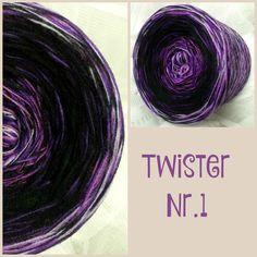 Twister Nr.1: nur 4 fädig 4 Farben: schwarz lila flieder orchid  Material: Hochbauschacryl