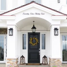 What do you love most about this beautiful entrance?  builder @pattersoncustomhomes  photo @jkoegel