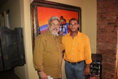 Domingo Guzmán con el maestro de la plástica dominicana Dionisio Blanco, en el encuentro de intelectuales sancristobalenses, en el restaurante Vagos, San Cristóbal, 2013.